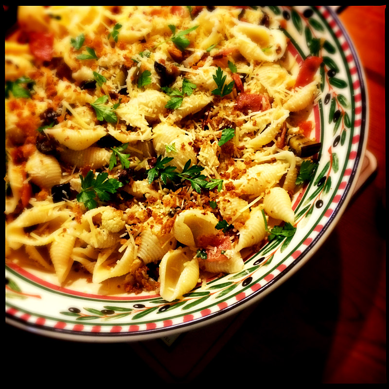bacon-and-cauliflower-pasta