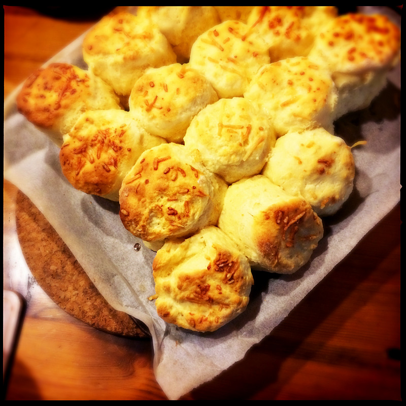 cheesy-scones